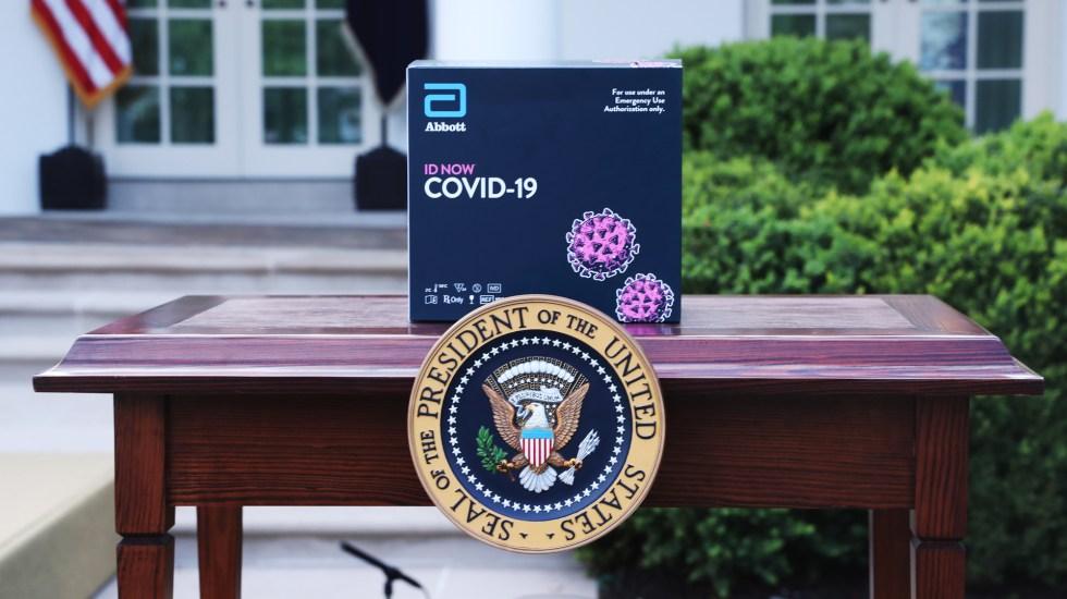 Distribuirá Gobierno de EE.UU. 150 millones de pruebas rápidas de COVID-19 - Pruebas rápidas de COVID-19 Abbott BinaxNow. Foto de EFE