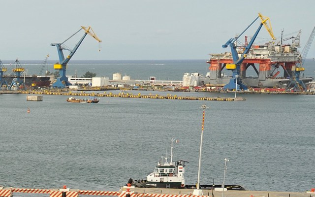 Asegura AMLO que puerto de Veracruz no ha mejorado con empresa que tiene la concesión por 100 años - Foto de Enrique Peña Nieto