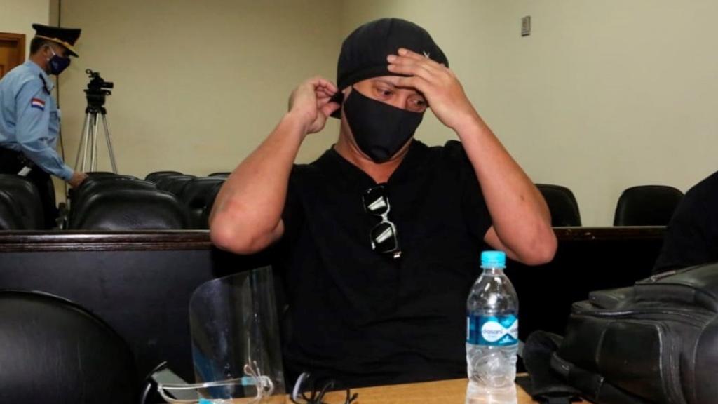 Ronaldinho queda en libertad tras seis meses detenido en Paraguay - Ronaldinho juicio futbolista