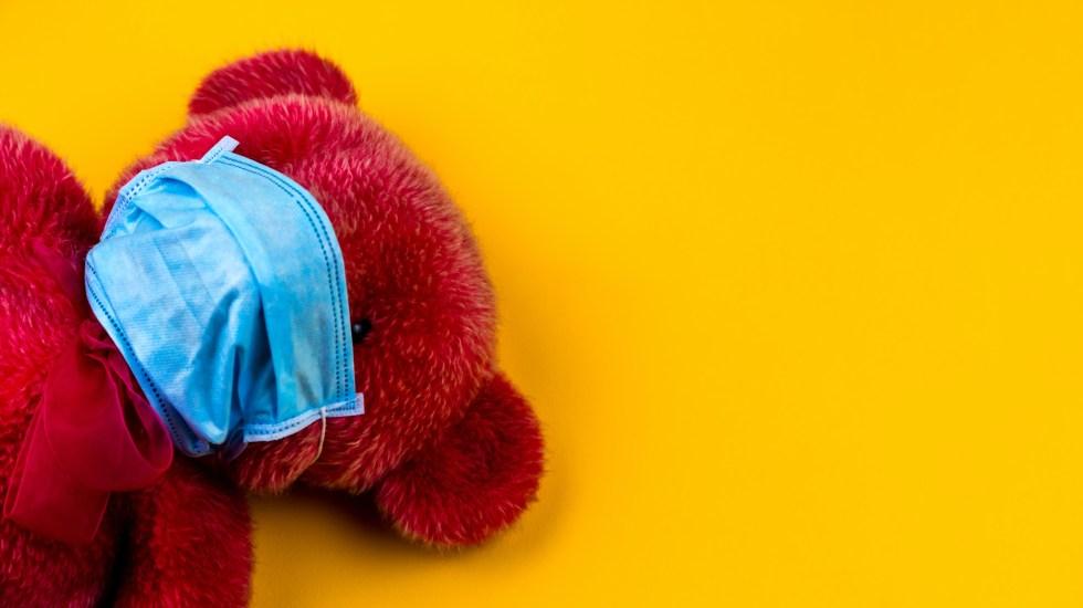 Aconseja OMS que niños de 12 años usen cubrebocas contra COVID-19 - Uso de cubrebocas en menores de edad. Foto de Volodymyr Hryshchenko / Unsplash