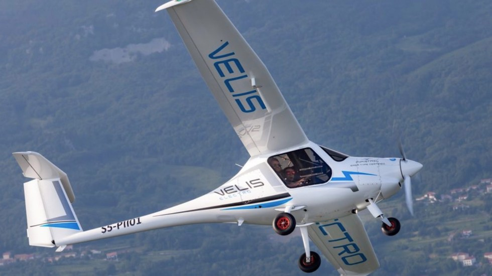 Primer avión eléctrico certificado del mundo realiza vuelo de prueba en Suiza - Foto de @America_Vuela