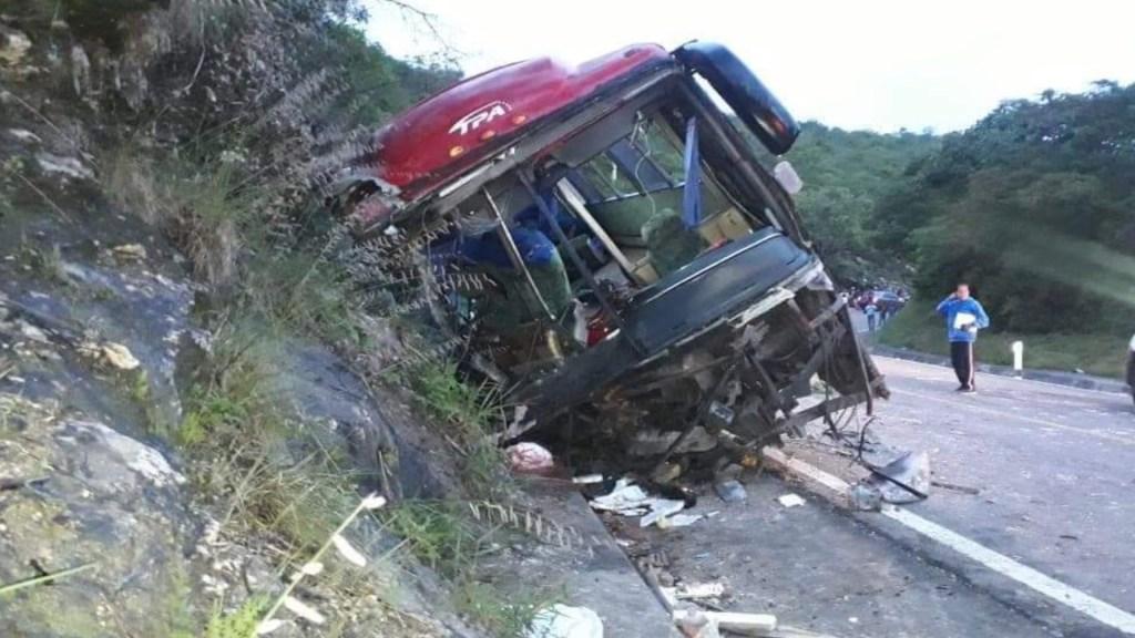 Accidente en Chiapas deja al menos 13 muertos - Foto de @3minutosinforma