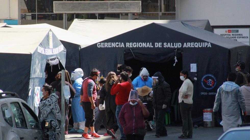 Europa supera los siete millones de casos por COVID-19 - Centro de Salud en Perú donde se atienden a pacientes con coronavirus. Foto de EFE