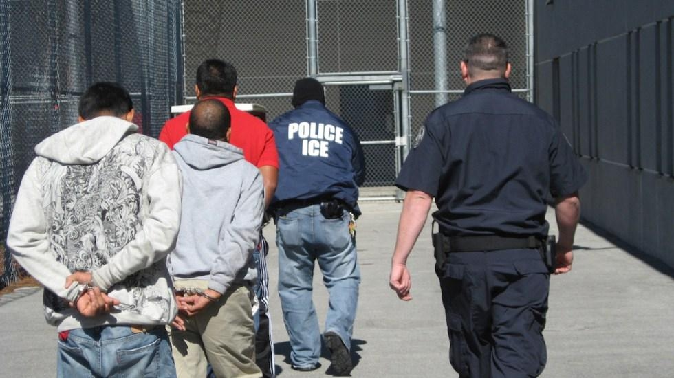 Alerta Cancillería por posibles redadas en EE.UU.; alerta mecanismo de apoyo a mexicanos - Detención de migrantes. Foto de EFE