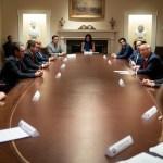 Nombramiento en la Casa Blanca, una oportunidad para construir desde dentro: Eduardo Verástegui - Firma de la Orden Ejecutiva con la que Donald Trump lanzó la Iniciativa para la Prosperidad Hispana. Foto de Eduardo Verástegui