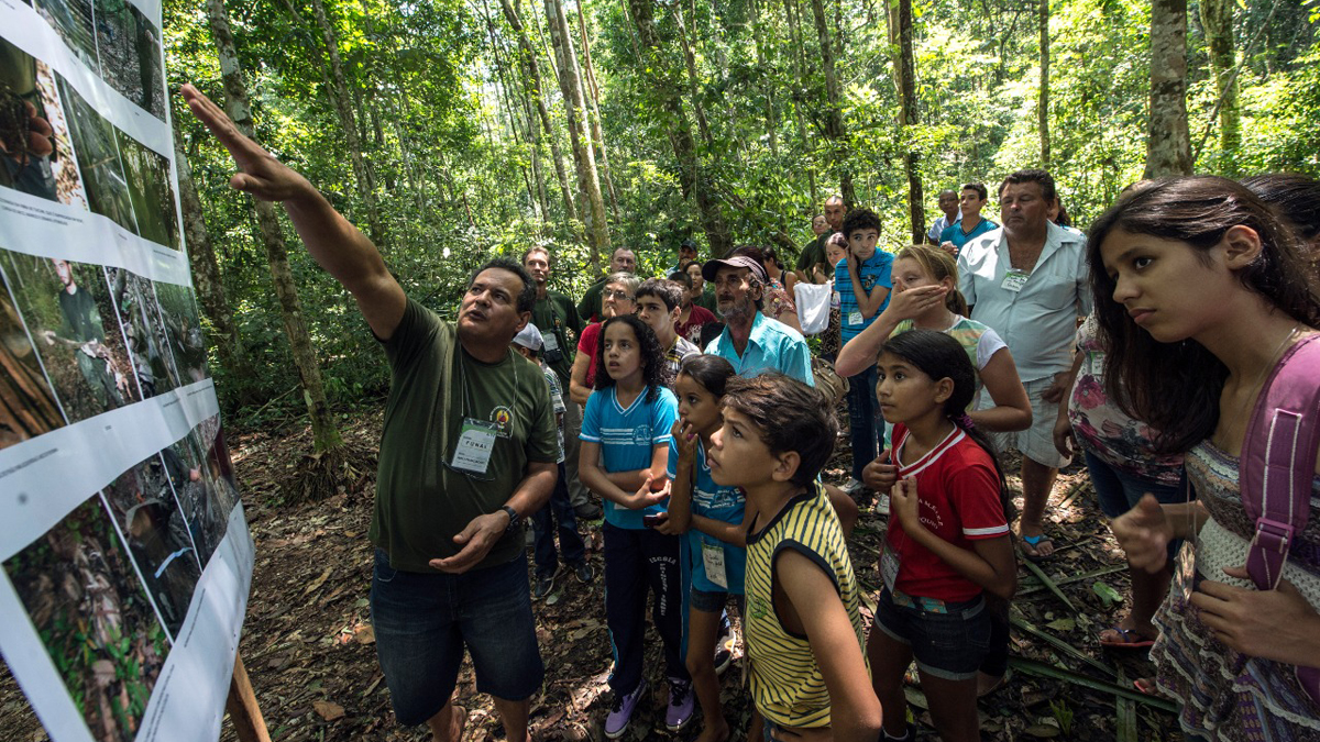 Flechazo de etnia no contactada en Brasil mata a reconocido activista