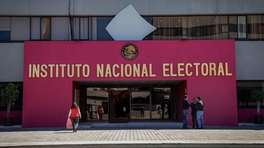 Vinculan a proceso a cuatro funcionarios del INE por uso indebido de atribuciones y facultades - Foto de El Economista