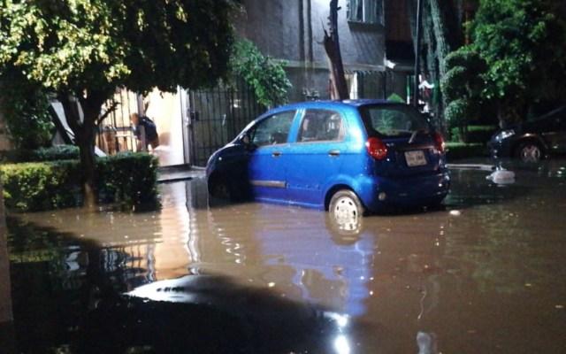 Fuertes lluvias dejan dos muertos en la Ciudad de México - Foto de @SGIRPC_CDMX
