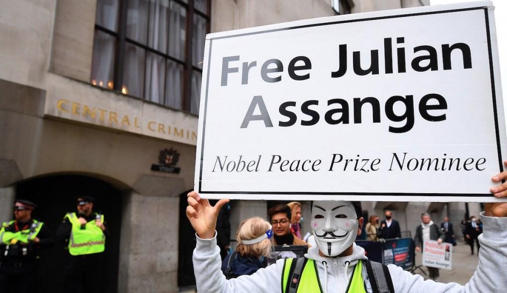 Assange rechaza su extradición a Estados Unidos tras ser detenido de nuevo - Foto de EFE
