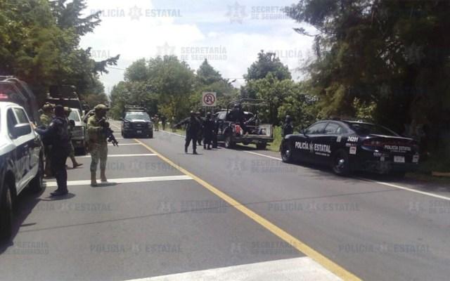 Asesinan en emboscada a tres policías del Edomex; hay 5 detenidos - La zona en la que fueron atacados los oficiales de la SSEM fue acordonada por elementos de la Sedena. Foto de SSEM
