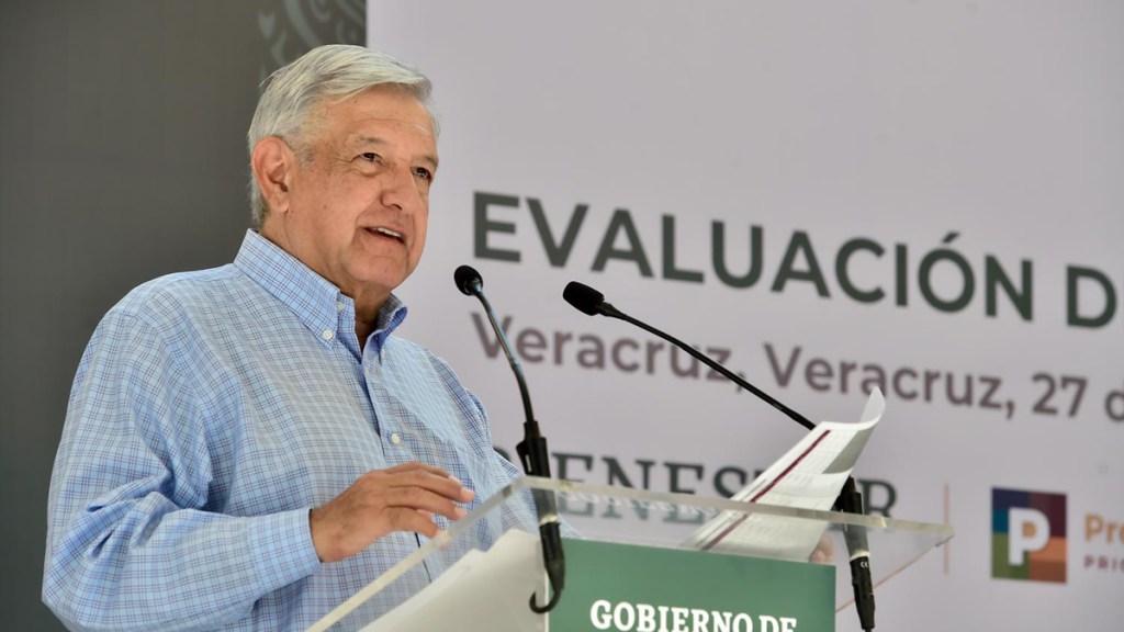"""Que se preparen porque """"no vamos a dar tregua"""", advierte López Obrador a opositores - López Obrador durante Evaluación de Programas de Bienestar en Veracruz. Foto de lopezobrador.org.mx"""