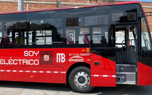 Presentan el primer autobús eléctrico del Metrobús de la Ciudad de México