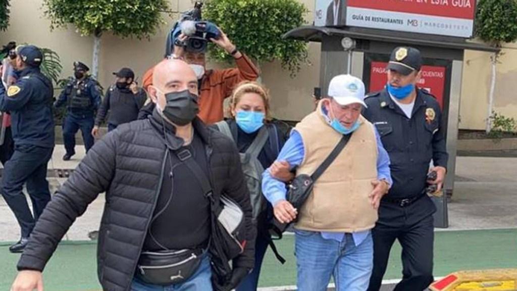 Dirigente de FRENAAA abandona campamento de Avenida Juárez. Noticias en tiempo real