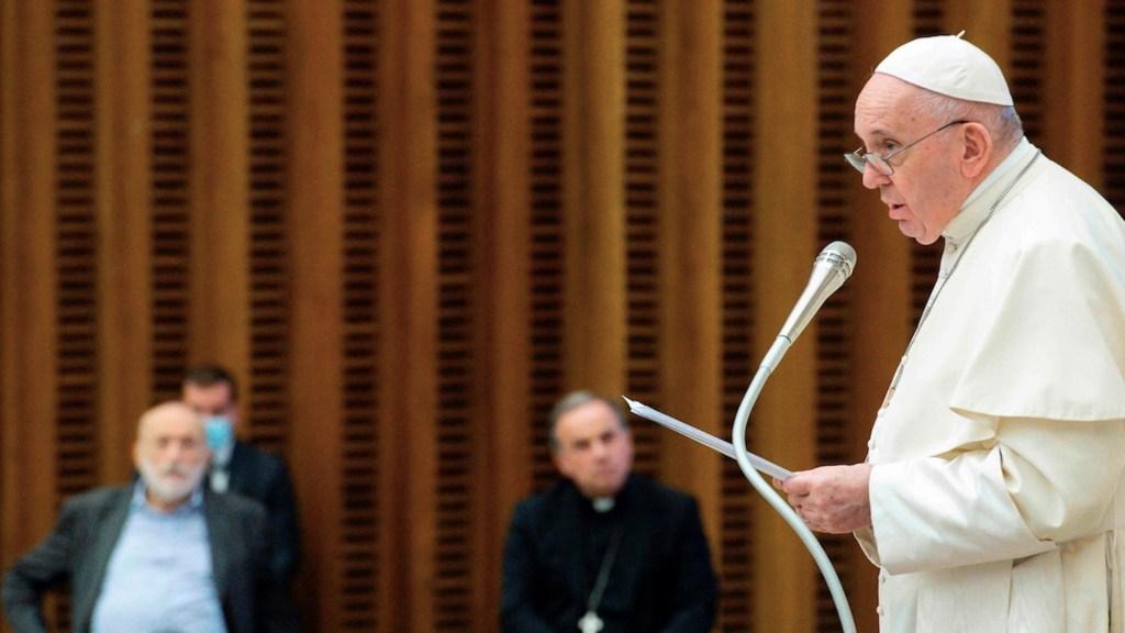 """Papa Francisco critica a la sociedad """"enferma de consumo"""" que está """"devorando la naturaleza"""" - Foto de EFE"""