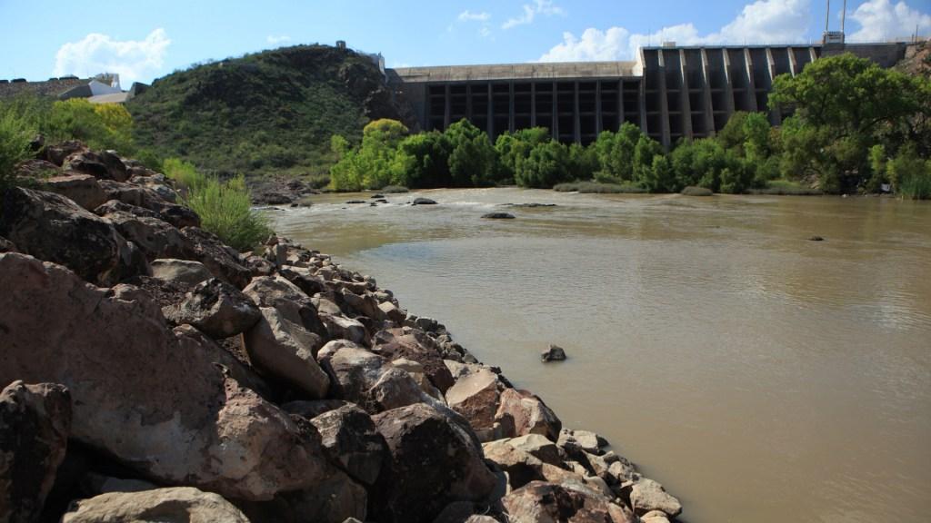 Continúa batalla por el agua en Chihuahua pese a pacto con EE.UU. - Presa Francisco I. Madero en Chihuahua. Foto de EFE