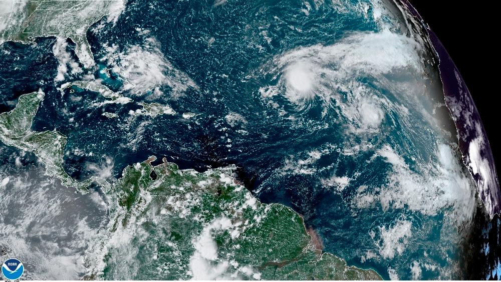 Un sistema sobre las Bahamas cruzará Florida y se hará depresión en Golfo de México - Foto de EFE