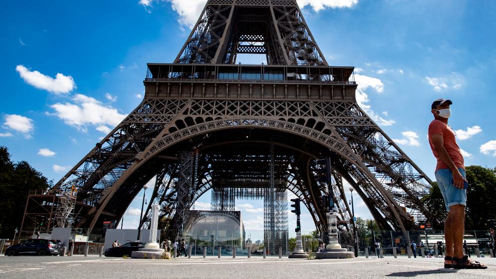 Desalojan Torre Eiffel por amenaza de bomba. Noticias en tiempo real