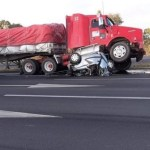 Fuerte choque en la México-Querétaro deja al menos un muerto; hay reducción de carriles