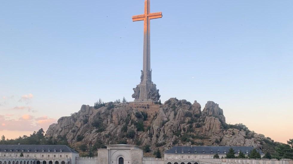 Gobierno español convertirá el mausoleo de Franco en un cementerio civil - Foto de @agusbenito