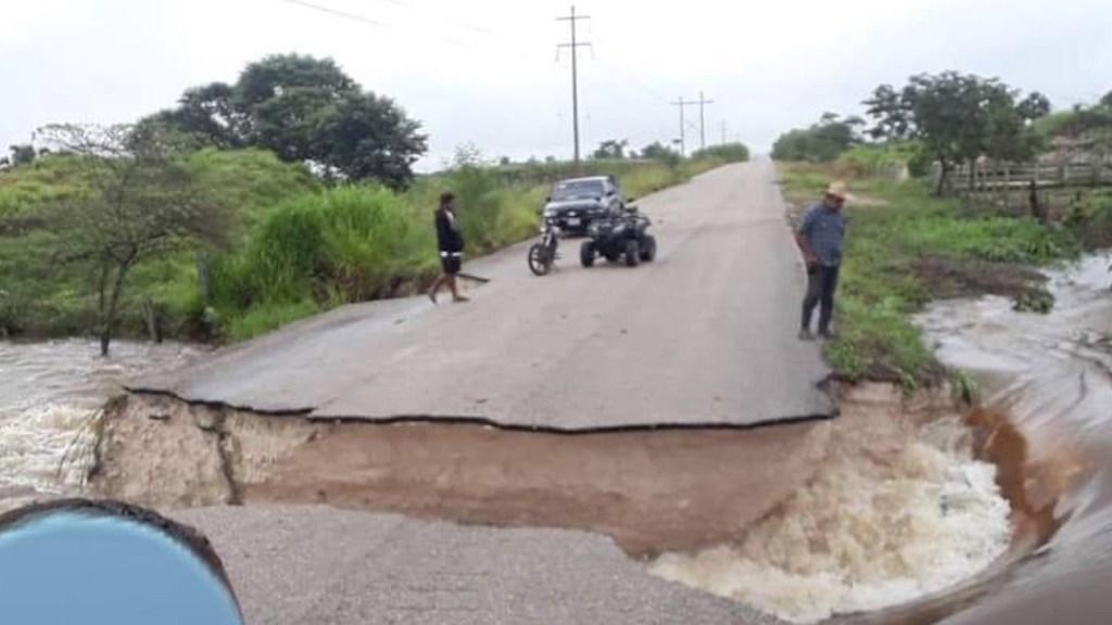 Gamma toca tierra cerca de Tulum con vientos de 110 kilómetros por hora; se desplaza sobre Quintana Roo - Foto Especial