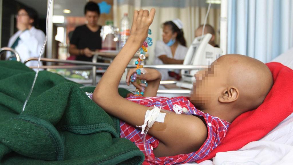 Habilitará IMSS plataforma de interacción sobre tratamientos a niños con cáncer - Atención de menor con cáncer en el IMSS. Foto de IMSS