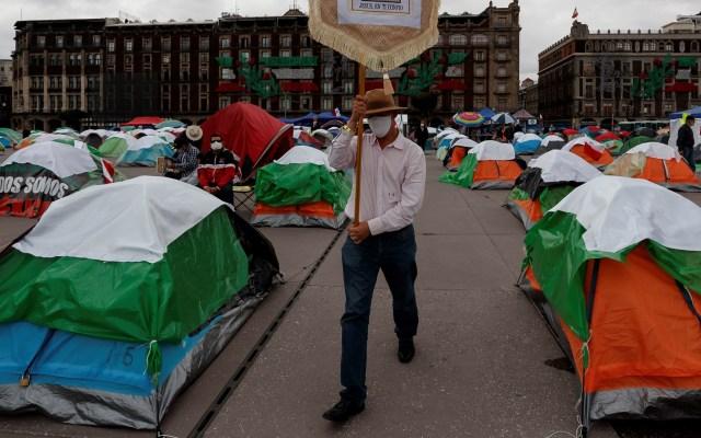 #Video Cuestiona Sheinbaum si protesta de FRENAAA en el Zócalo es un 'performance' - Casas de campaña del movimiento de FRENAAA. Foto de EFE