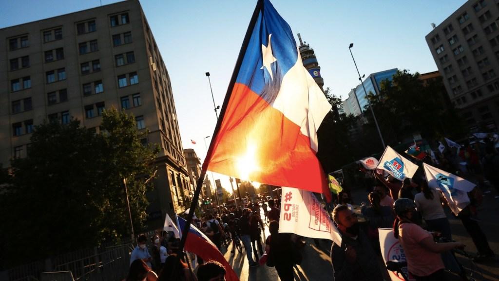 ¿Qué decide Chile en el plebiscito nacional de este domingo? por Daniel Zovatto - Foto de EFE