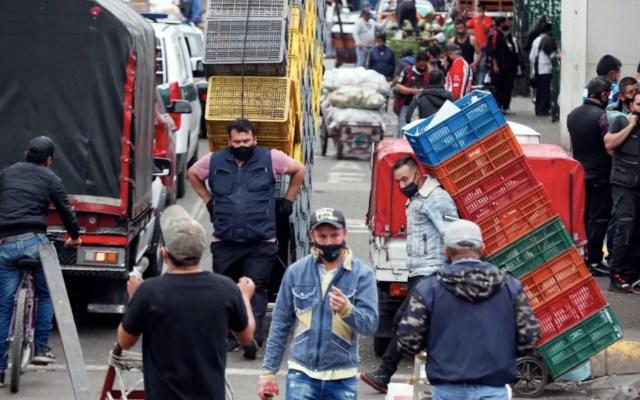 Colombia supera el millón de casos con temor a una nueva ola de la pandemia - Foto de EFE