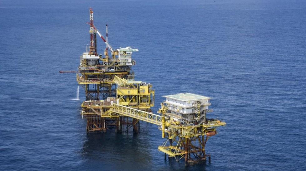 Pemex, entre las 100 transnacionales que utilizan recursos oceánicos - Complejo de Producción Ek-A, que pertenece al Activo Integral de Producción Cantarell, ubicado en la Sonda de Campeche. Foto de @Pemex