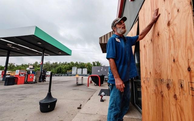 Luisiana y Texas comienzan a sentir los efectos de Delta; será el cuarto huracán que impacte en la zona en 2020 - Foto de EFE