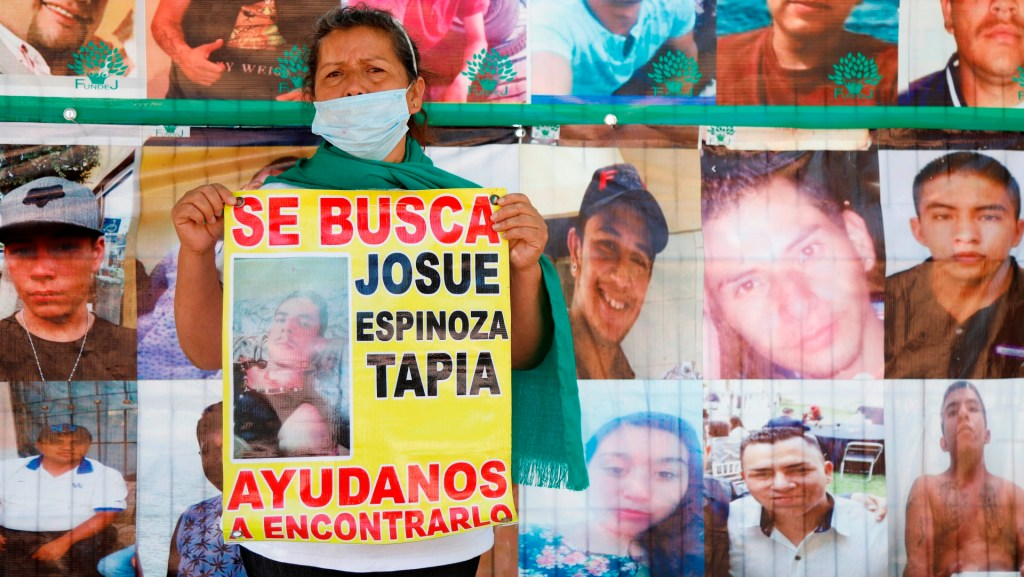 Familias mexicanas recuperan a sus hijos desaparecidos en fragmentos - Foto de EFE