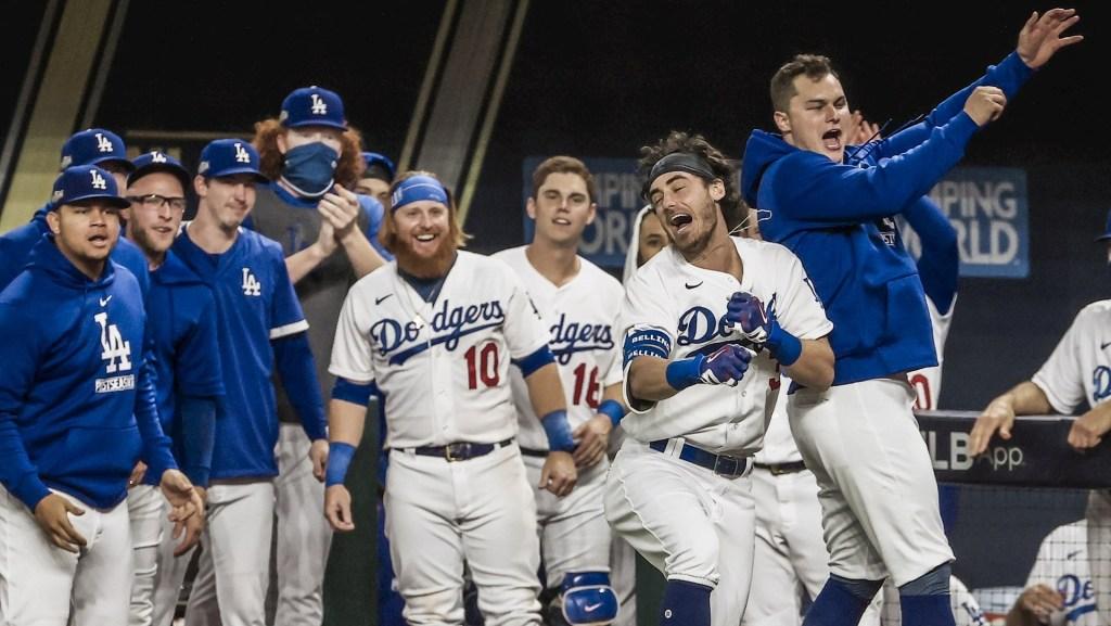 Victoria de Julio Urías y Dodgers a Serie Mundial; contra Tampa Bay, el Clásico de Otoño - Dodgers festejando. Foto de EFE/EPA/TANNEN MAURY.