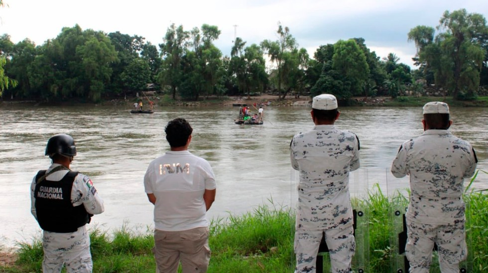 Con drones, México vigila frontera sur ante posible llegada de migrantes hondureños - Agentes de migración vigilan las 24 horas del día la frontera sur de México. Foto Twitter @INAMI_mx