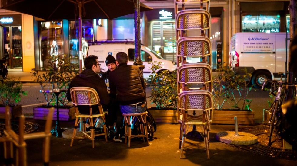 Francia evalúa en unos dos mil millones el coste del toque de queda - Foto de EFE