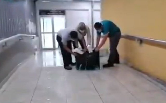 #Video Lluvia inunda hospital de Pemex en Villahermosa - Inundación en Hospital de Pemex de Villahermosa. Captura de pantalla / Ahora Tabasco