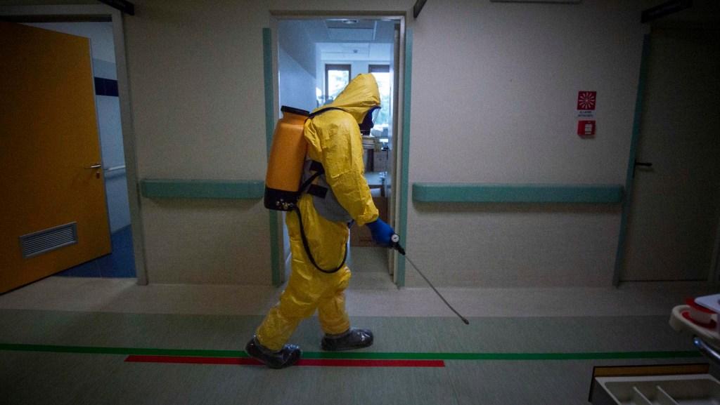Hallan virus SARS CoV-2 en superficies de habitaciones hospital a pesar desinfección. Noticias en tiempo real