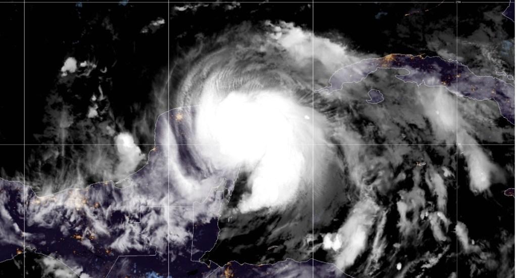 Huracán 'Zeta' provoca fuertes vientos y lluvias en zonas del norte de la Península de Yucatán - Huracán Zeta México Yucatán Quintana Roo 4