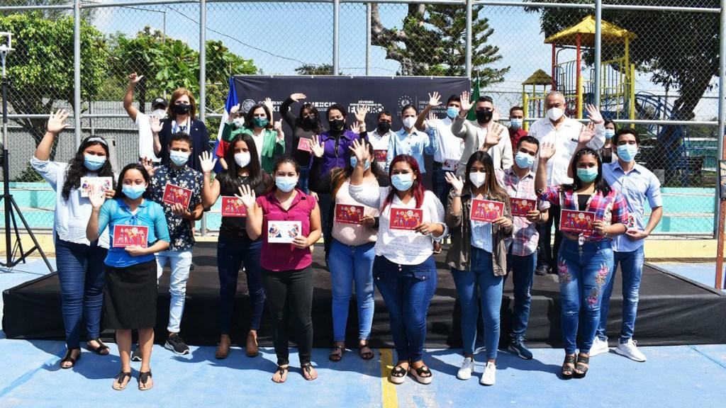 Avanza Jóvenes Construyendo el Futuro en El Salvador; participantes ya reciben apoyo económico - Jóvenes Construyendo el Futuro en El Salvador. Foto de @AMEXCID