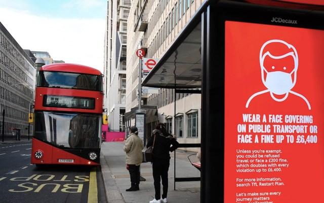 Londres prohibirá reuniones bajo techo entre personas que no viven en la misma casa - Foto de EFE