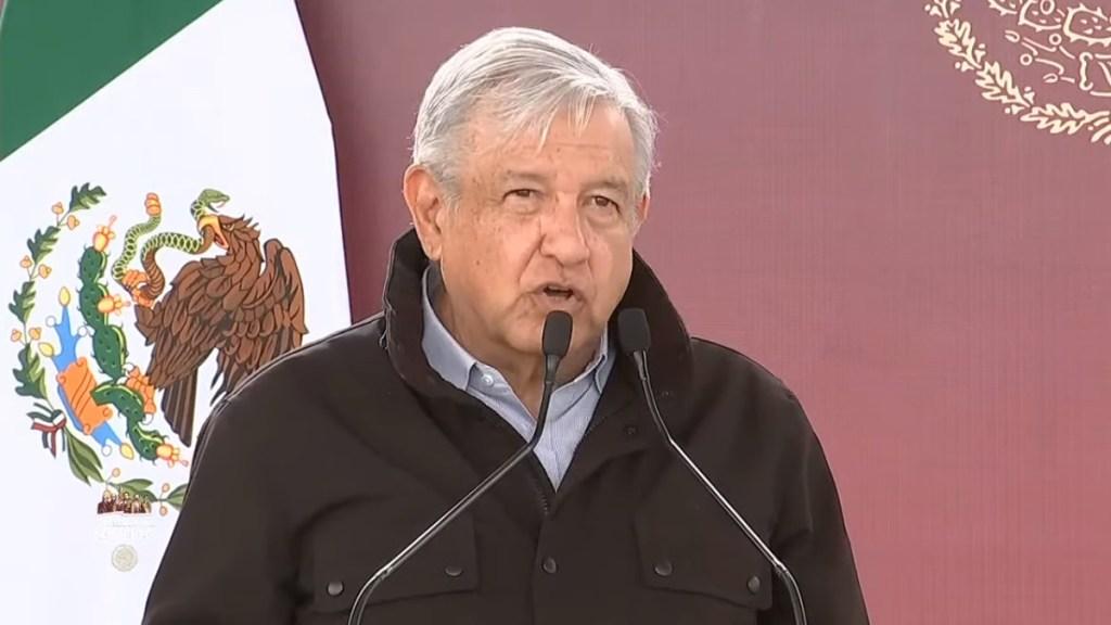 Apresura AMLO mensaje en Nuevo Laredo por incumplimiento de sana distancia - López Obrador en Nuevo Laredo. Captura de pantalla