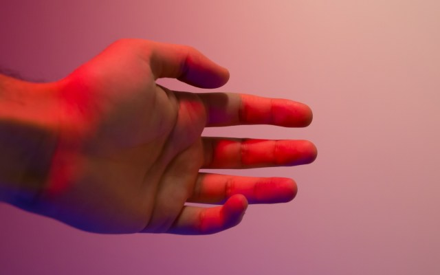 Síndrome del túnel carpiano, afectación intensificada por la pandemia - Mano túnel carpiano dolor