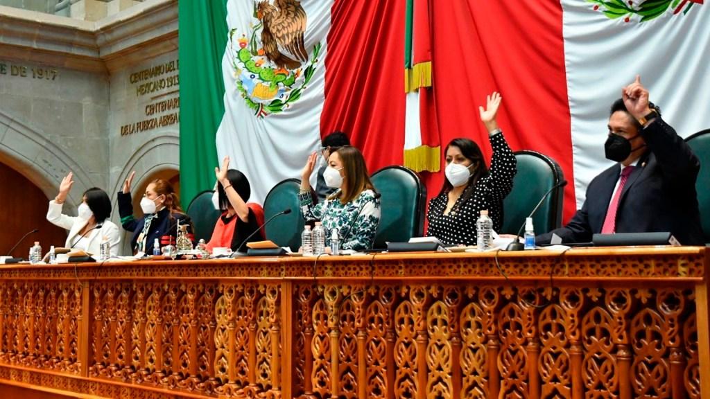 Violencia contra adultos mayores se castigará con hasta 15 años de cárcel en Edomex - Sesión del Congreso mexiquense. Foto Twitter @Legismex