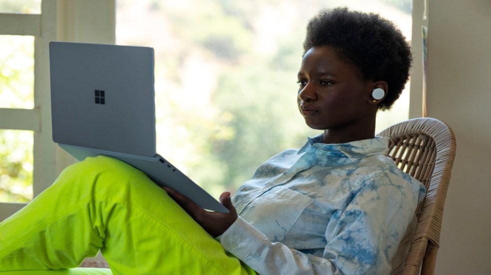 Trabajo desde casa por pandemia provoca estrés en trabajadores, señala estudio - La pandemia ha modificado las dinámicas de trabajo en el mundo. Foto https://news.microsoft.com/