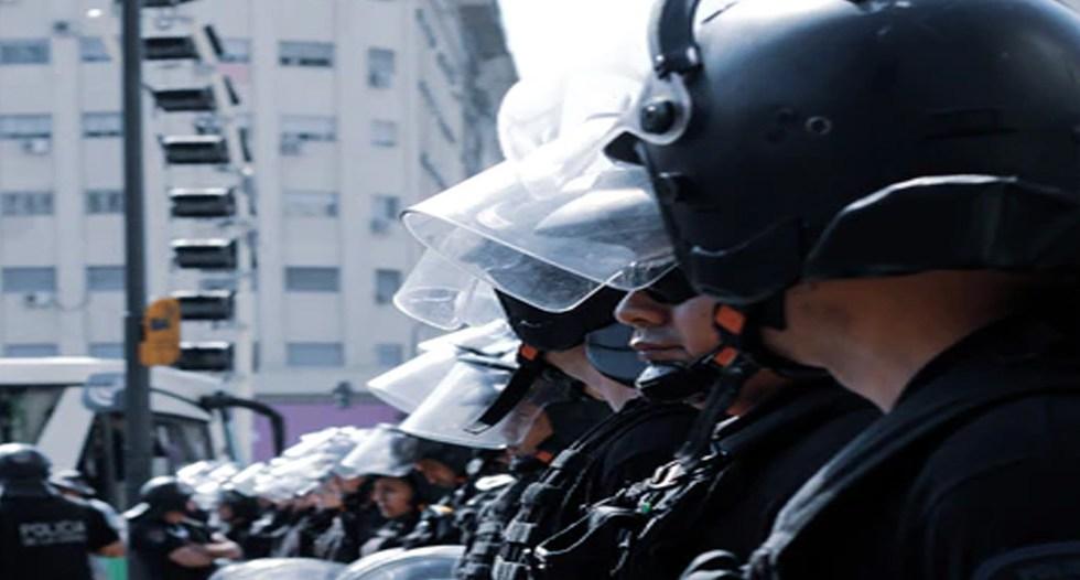 Al menos 16 policías capitalinos intoxicados por consumir raciones durante curso - Foto unsplash/@wesmarcal