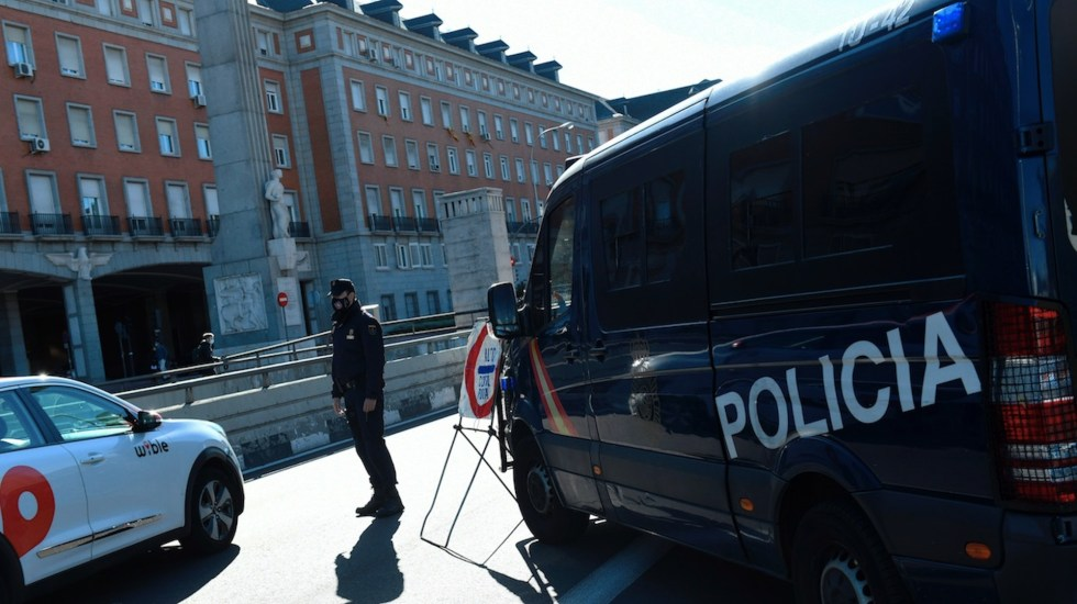 Restringen entrada y salida de Madrid para frenar incremento de contagios de COVID-19 - Foto de EFE