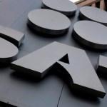 "SAT agrega a 94 empresas a una ""lista negra"" por irregularidades al emitir facturas"