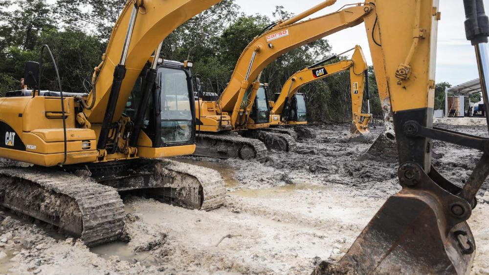 Autoriza Semarnat Fase 1 del Tren Maya; serán taladas 800 hectáreas de selva - Construcción del Tren Maya en Campeche. Foto de lopezobrador.org.mx