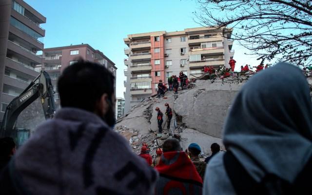 Terremoto dejó 41 muertos y Turquía teme un centenar más bajo los escombros - Foto de EFE