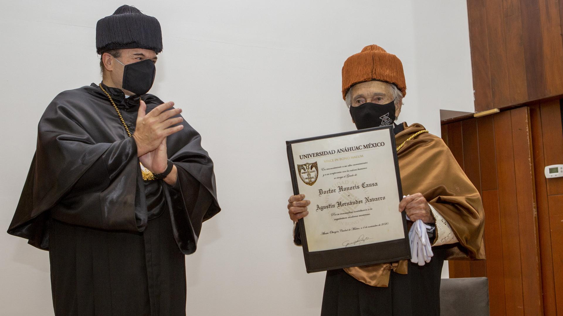Agustín Hernández Navarro doctorado Honoris Causa Anáhuac