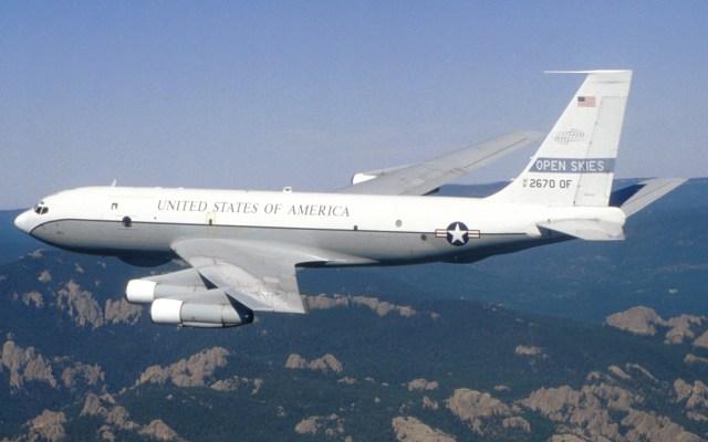 Se retira EE.UU. de acuerdo para sobrevolar países en busca de ataques militares - Avión Oc-135 de EE.UU., utilizado en el Tratado de Cielos Abiertos. Foto de Fuerza Aérea de EE.UU.